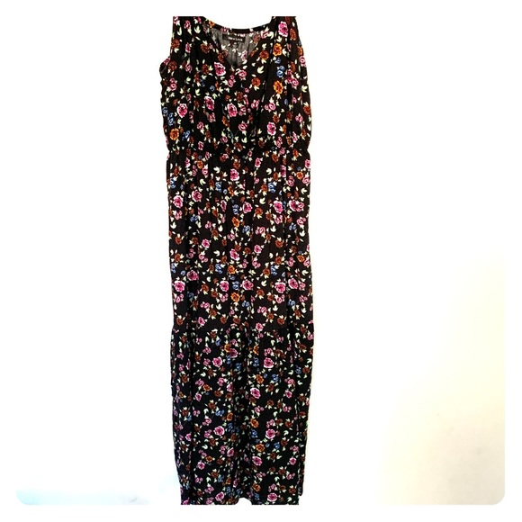 New Look Dresses & Skirts - New Look Floral Maxi Dress Size 2X